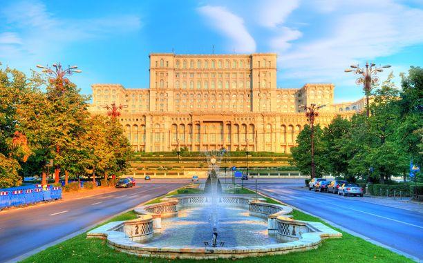 Tällä on kokoa! Romanian parlamenttitalo on maailman suurimpia rakennuksia.