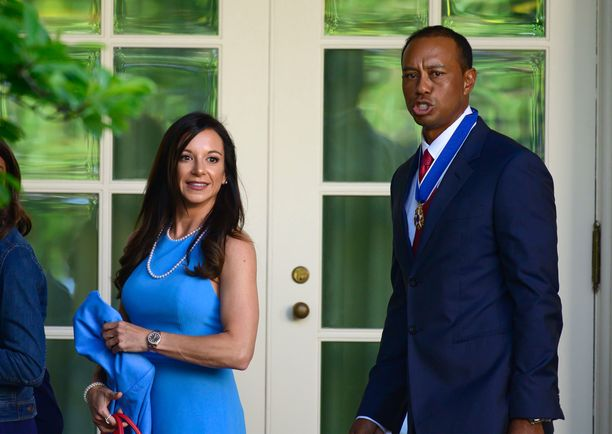 Erica Herman edusti toukokuussa Tiger Woodsin rinnalla tämän saadessa siviilikunniamerkin.