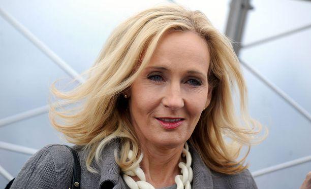 J.K. Rowling tahtoi taustoittaa kirjasarjansa hahmojen elämää.