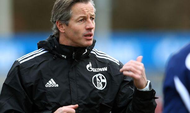 Jens Keller johti Schalken treenejä sunnuntaina.