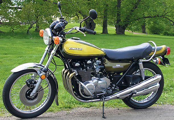 """Kawasaki Z1 900 on näin tyylikäs. Istuimen takana on """"ankanpyrstö"""" eli aerodynaamisesti muotoiltu säilytystila."""