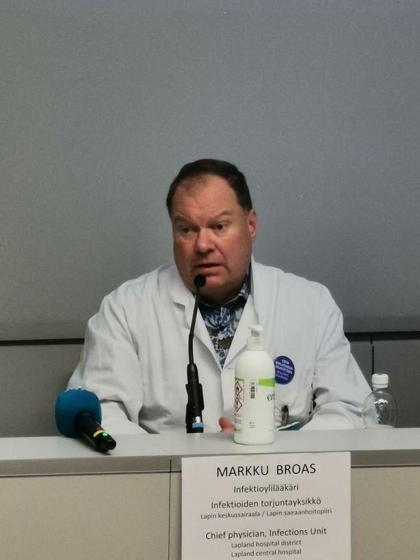 Infektioylilääkäri Markku Broas sanoo luottavansa siihen, että suomalaiset seuraavat koronatilannetta ja ymmärtävät, että viruksen leviämisen pysäyttäminen on juuri nyt tärkeää.
