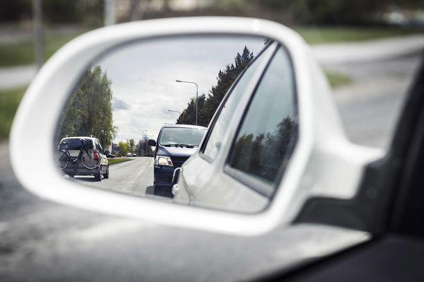 Esko Riihelän paras neuvo pojalleen Teemulle: muista, et ole yksin liikenteessä.