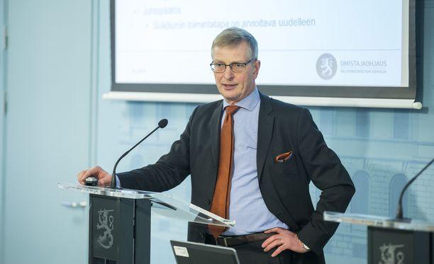 Eero Heliövaara ei hae jatkokautta omistajaohjausosaston osastopäällikön virassa. Hakuaika osastopäällikön virkaan päättyy 6. marraskuuta.