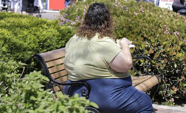 Naisilla on miehiä paremmat mahdollisuudet onnistua painonpudotuksessa.