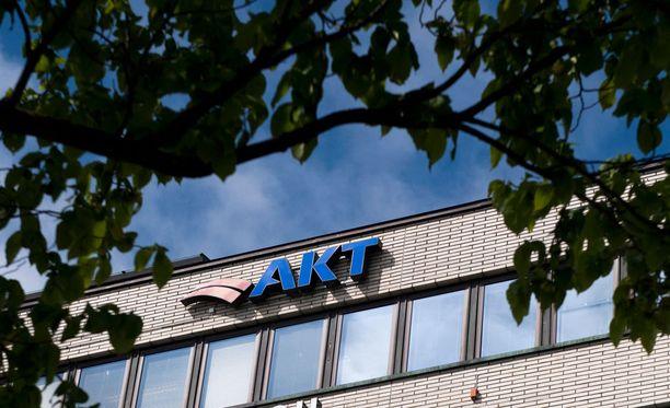 Työmarkkinakeskusjärjestöjen eilisessä tapaamisessa kuultiin vahvoja vetoomuksia AKT:n saamisesta mukaan yhteiskuntasopimukseen.