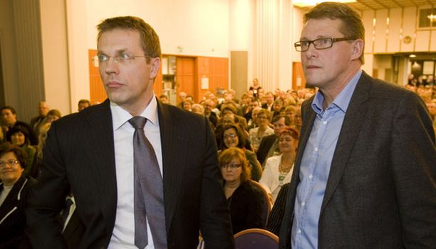 Jari Sarasvuo kävi Keskustan kuntapäivillä sparraamassa puoluetta vaalitaistoon.
