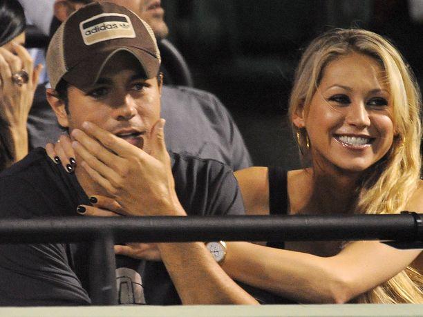 Laulaja Enrique Iglesias ja ex-tennistähti Anna Kournikova ilmoittivat tänään, että perheen kolmas lapsi syntyi tammikuun lopussa.