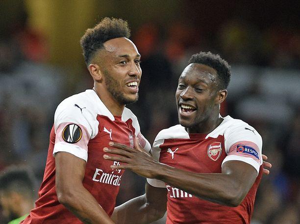 Arsenalin Pierre Emerick Aubameyang (vas.) oli Tykkimiesten sankari joukkueen voittaessa Eurooppa-liigan avausmatsissa Vorskan 4-2.