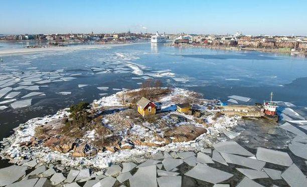Yle kertoo, että Katajanokanluodolla sijaitseva luotsitupa on arkkitehti Konstantin Kiseleffin piirtämä tyyppitalo.