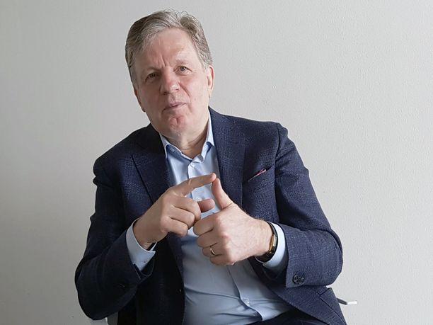 Esko Aho toimi Suomen pääministerinä 1991–1995.