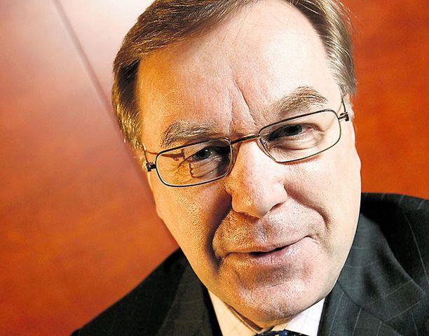 Ministeri Antti Tanskanen selvittää yritysten rahoitusahdinkoa. Viime lamassa hän kuului Iiro Viinasen keynesiläisiin kriitikoihin.