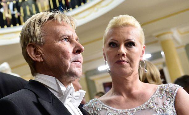 Matti Nykänen on syönyt kolmen kuukauden ajan psykiatrin määräämiä lääkkeitä vakavaan masennukseensa. Kuva itsenäisyyspäivän vastaanotolta 6. joulukuuta 2015.