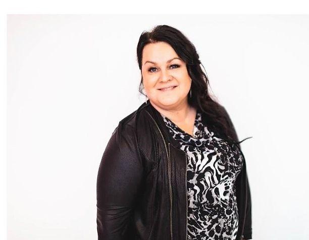 Nurmijärveläinen Minna Engström on ehdolla Uudellamaalla. Kuva on vaali-ilmoituksesta.