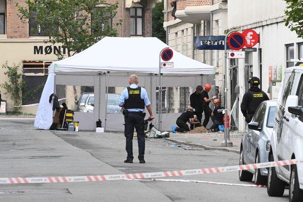 Räjähdys tapahtui poliisiaseman edessä hieman keskustan ulkopuolella.