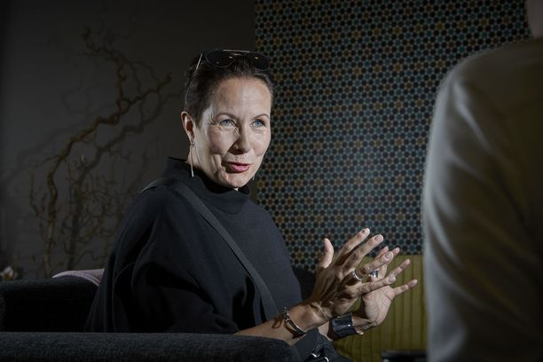 Entinen kansanedustaja ja ministeri Suvi-Anne Siimes on toiminut vuodesta 2011 Työeläkevakuuttajat TELA ry:n toimitusjohtajana.