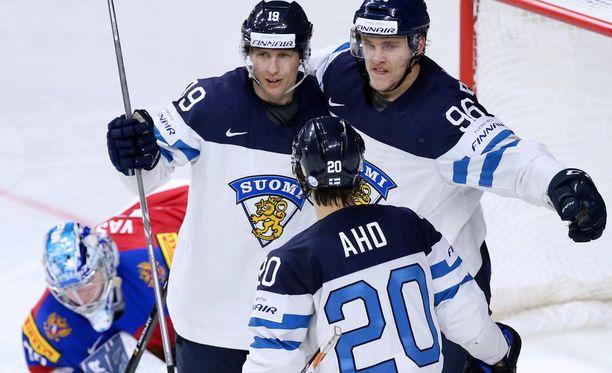 Veli-Matti Savinainen, Mikko Rantanen ja Sebastian Aho ovat Suomen avainpelaajia Tanskan MM-kisoissa.