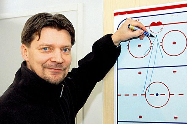 SELKEÄ SUUNTA HPK:n Jukka Jalonen on kiinnostunut maajoukkuepestistä.