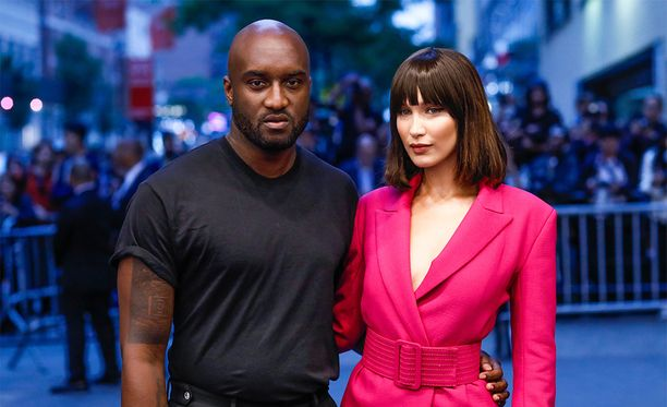 Myös Bella Hadid rakastaa Off-Whitea, ja Virgil Abloh sai kunnian vaatettaa supermallin pari päivää sitten järjestettyyn CFDA-muotigaalaan.