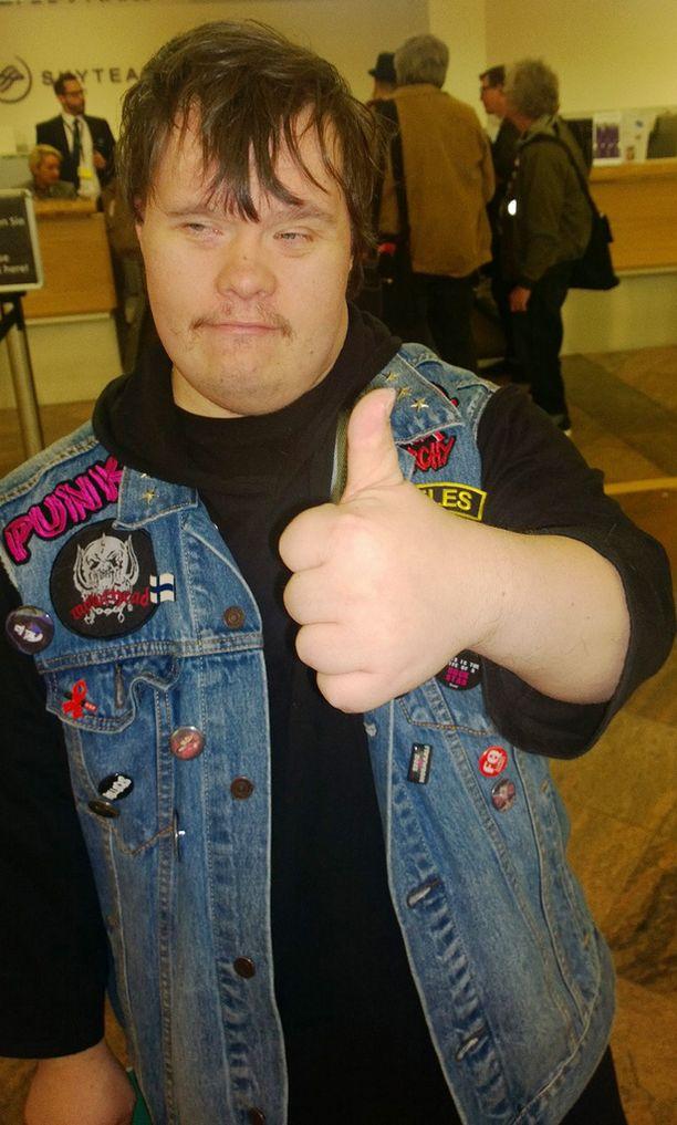 Rumpali Toni Välitalo hehkutti edellisillan finaalin tunnelmaa.