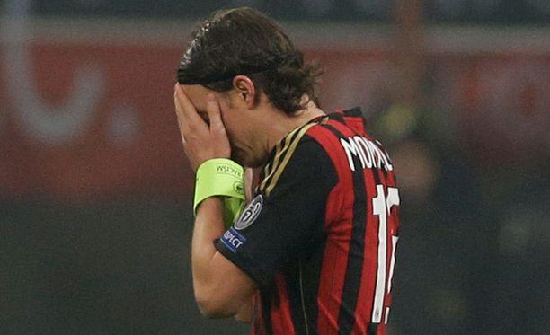 Riccardo Montolivo ei helpottanut Milanin tilannetta.