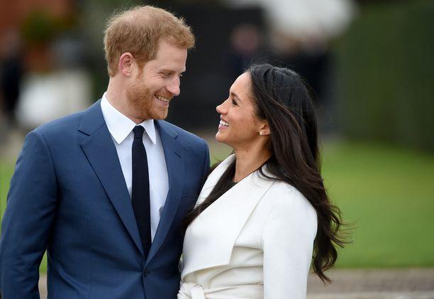 Prinssi Harry ja herttuatar Meghan (silloinen Meghan Markle) julkistivat kihlauksensa marraskuussa 2017.