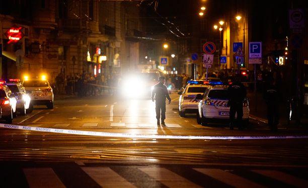 Poliisi eristi räjähdyspaikan Budapestissa. Räjähdys tapahtui myöhään lauantai-iltana.