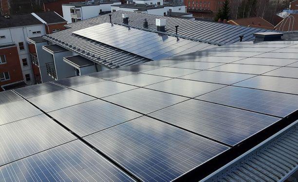 40 kilowatin aurinkosähkövoimala tuottaa aurinkoenergiaa noin 32 000 kWh vuodessa.