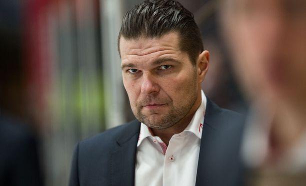 Tomek Valtonen valmensi Sportia neljän kauden ajan.