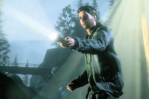 SANKARI. Alan Wake kamppailee pelissä vihollisia vastaan taskulampun valolla.