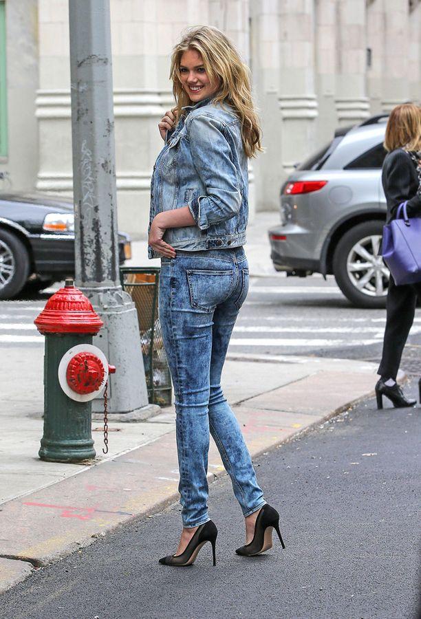 Tuplafarkku on edelleen trendikäs, tietää kivipestyyn denimiin pukeutunut Kate Upton.