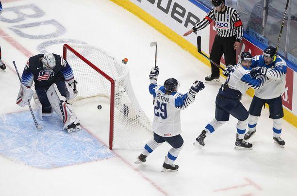 Roni Hirvonen tulitti Suomen 3–3-tasoituksen, mutta lopussa juhli USA.