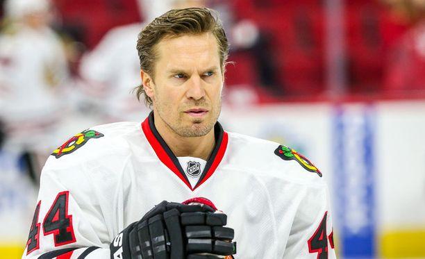 Kimmo Timonen tavoittelee uransa ensimmäistä Stanley Cupia Chicagon nutussa.