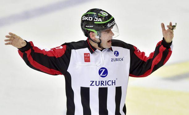 Tobias Wehrli on toinen MM-finaalin päätuomareista.