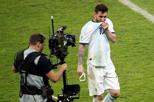 Leo Messi joutui pettymään jälleen kerran. Brasilia oli parempi Copa Américan välierässä.