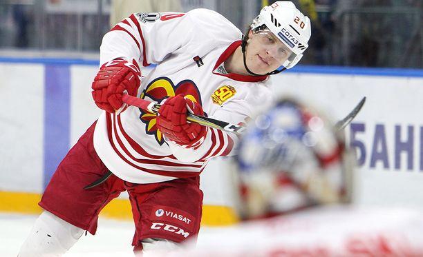 Eeli Tolvanen laukoi KHL-kauden neljännen maalinsa. Arkistokuva.