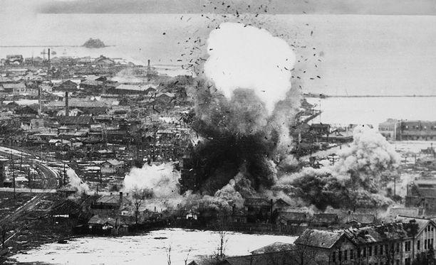 Ilmapommituksissa tuhottiin muun muassa Wonsanin kaupunki.