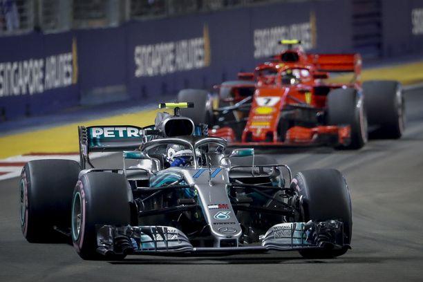 Mercedes ja Ferrari vastustivat yksinkertaisempia ja halvempia moottoreita.