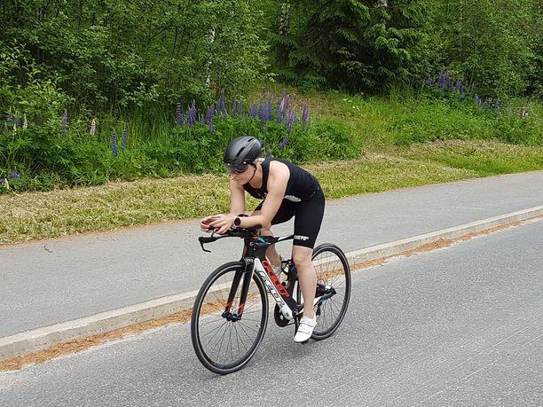 Johanna Lahikainen sanoo, että triathlon sopii lajina kenelle tahansa.