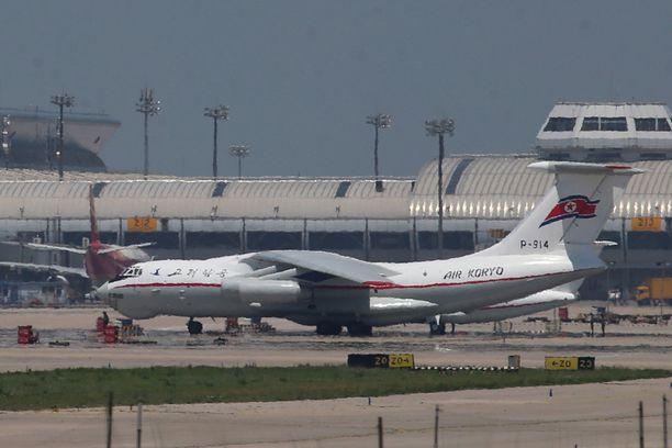 Air Koryon kone Pekingin kentällä.