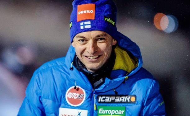 Andreas Mitter ei voinut kuin nauraa Suomen epäonnelle joukkuekisassa.