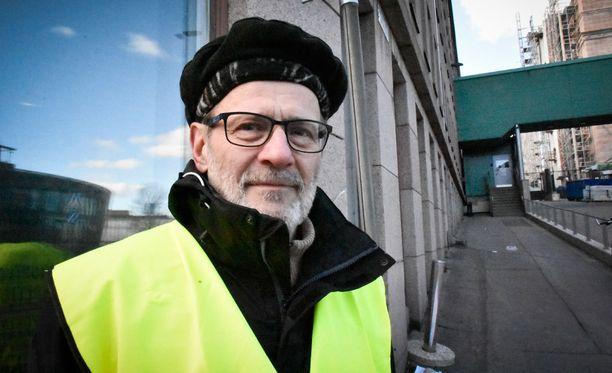 Jämsäläinen Risto Ahonen saapui paikalle monien muiden uupuneiden vanhempien puolesta. Ahosen mukaan monet narkolepsiaan sairastuneet nuoret ovat pian täysi-ikäisiä ja heidän tulisi saada neuvoja siitä, millaista tukea he voivat hakea.