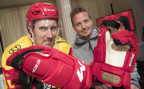 Kapteeni Marko Anttila ja päävalmentaja Lauri Marjamäki johtavat Jokerit playoff-taisteluun.