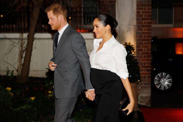 Prinssi Harryn ja herttuatar Meghanin esikoinen voi syntyä milloin tahansa.