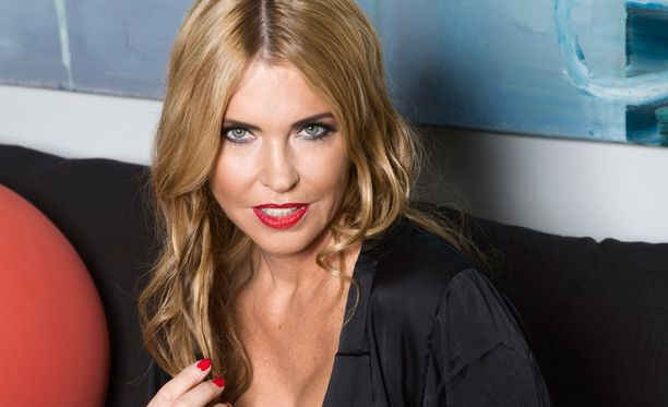Anu Saagim nousi otsikoihin haukuttuaan Maria Veitolaa rumaksi Ylen tv-lähetyksessä.