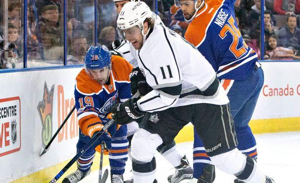 Anze Kopitar on ensi kaudesta lähtien yksi NHL:n parhaiten palkattuja pelaajia.