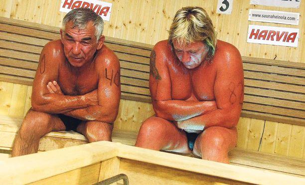 KOHTALOKASTA Venäläismies kuoli saunomisen MM-finaalissa lauantai-iltana. Suomalaista Timo Kaukosta hoidetaan sairaalassa.