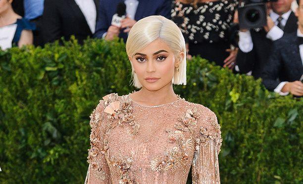 Kylie Jenner on tuore äiti.