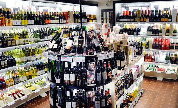 Viimeisin alkoholiveron korotus tuli voimaan 1.1.2014. Oluen veroa korotettiin 8,2 %, viinien 8,6 % ja väkevien 5,3 %.