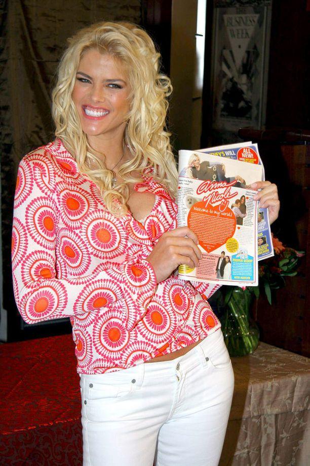Anna Nicole Smith muistetaan paitsi Playboy-mallin urastaan, niin myös avioliitostaan J. Howard Marshallin kanssa.